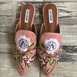 Blush floral embroidered mules